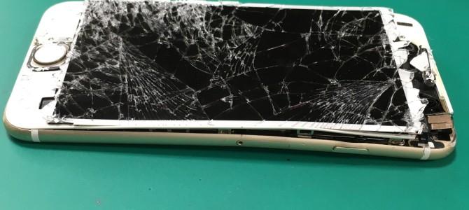 【バックアップ代行やってます♪】iPhone修理専門店アイフォンクリア 札幌ラフィラ2016/03/27