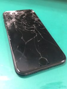 iPhone7修理前28/11/23