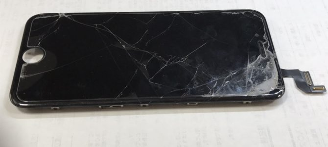 iPhone6s フロントパネル交換修理 札幌市白石区より 「落としてしまい」