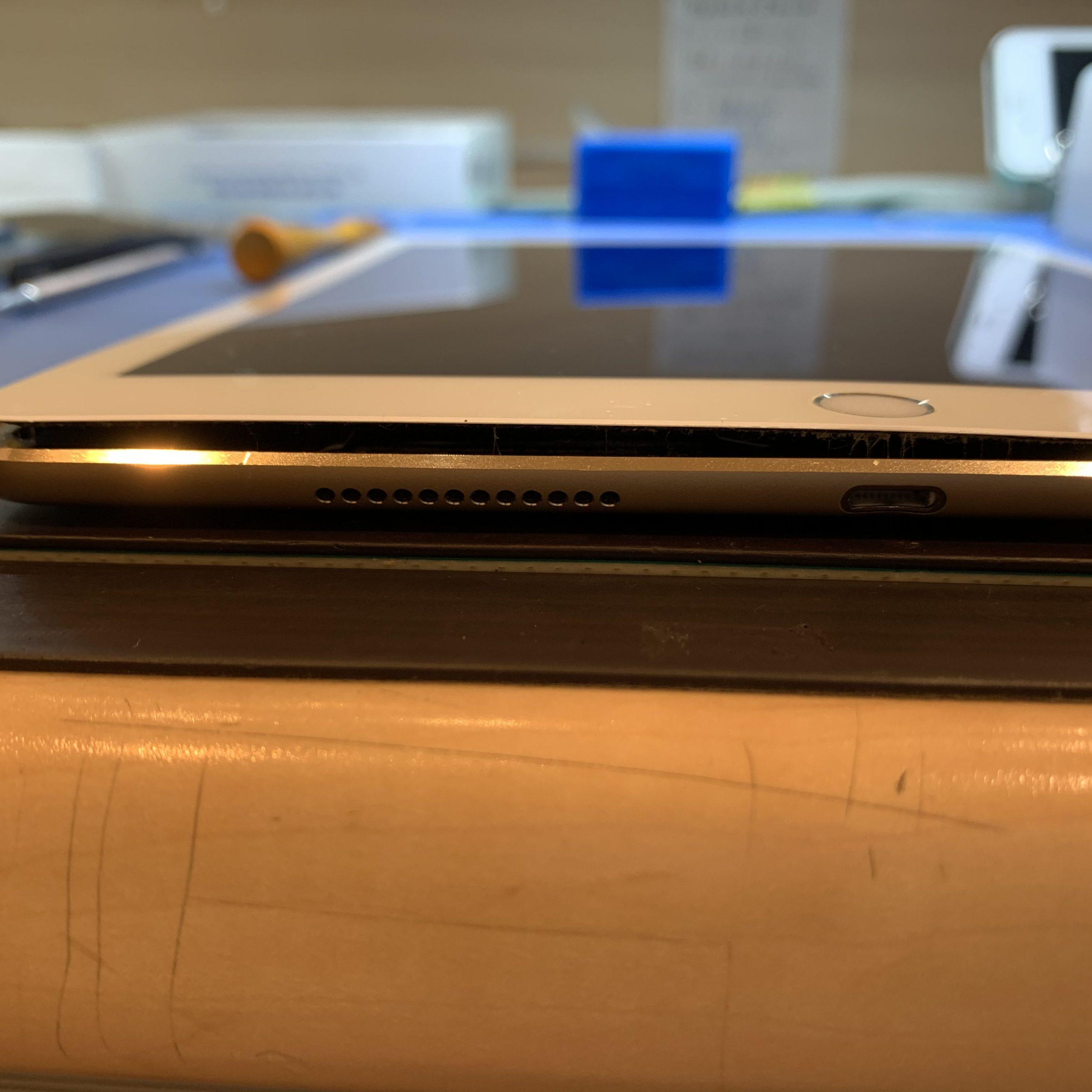 iPadバッテリー膨張
